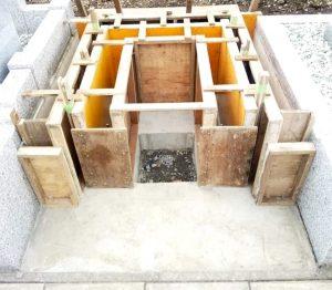 カロート(納骨室)&立上基礎部/型枠組み
